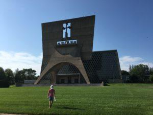 betoninen kirkko